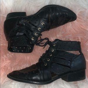 Pre loved booties 💕